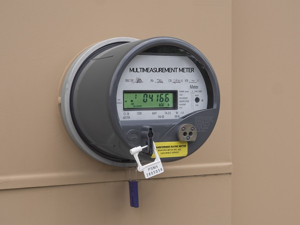 Traditional Power Meter : How smart meters show you ways to save money and energy